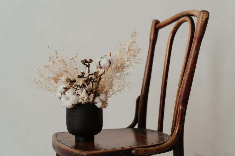 Vienna Chair, on which there are some flowers